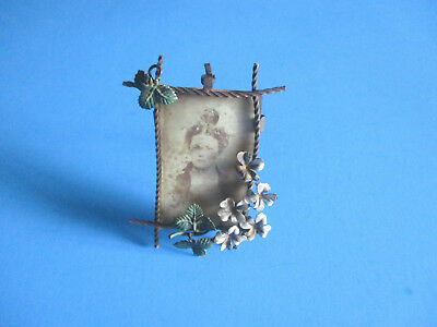 Antique Stand Up Picture Frame Metal Primitive W/Picture Metal Flowers & Leaves