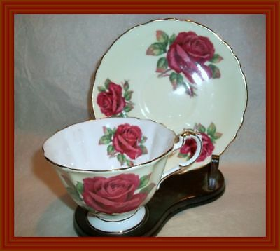 Paragon 1950s - LARGE RED ROSES - TRIPLE ROSE FLORAL TEA CUP & SAUCER - NR