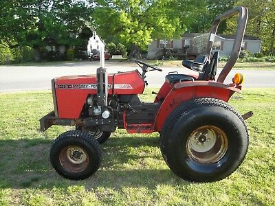 1020  MASSEY FERGUSON   DIESEL  TRACTOR With Only 815 HOURS