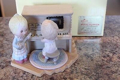 Hallmark Betsey Clark Musical Decoration Figurine 1983 In Perfect Harmony Box