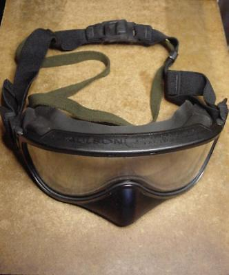 US Military Wind And Dust Goggles With Pouch