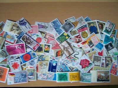 200 Different East Germany Commemorative And Pictorials,large,used,excellent.