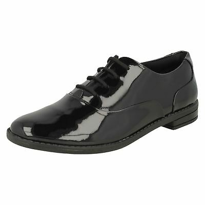 Girls Clarks Drew Star Black Patent Leather Lace Up Shoes G Fitting.
