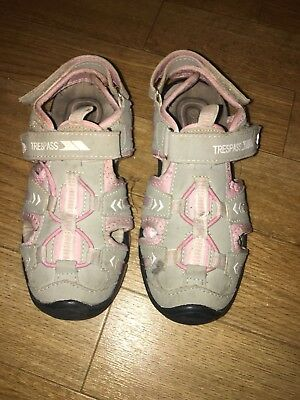 Tresspass Jilly Bean-Kids Sandals/Girls Sandals Uk Size 1- Used Grey And Pink