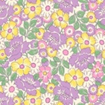 Nana Mae Squares /& Flowers 1930/'s Reproduction Quilt Fabric Style 6717//55 Lilac