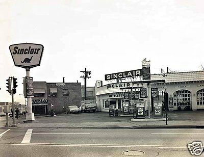 Sinclair Dino Gas Station Service 63/64 Chevy Pumps Island Corner Station