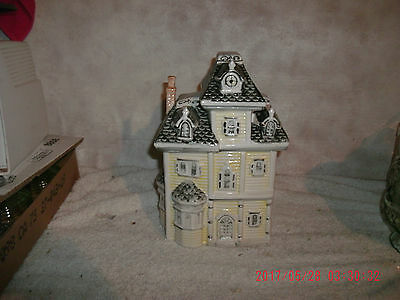 Ceramic Novelty Victorian Style House Gray Yellow Cookie Jar