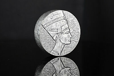 3000 Francs Egyptian Relic Queen Nefertiti Nofretete Chad 5 oz Silver 2017