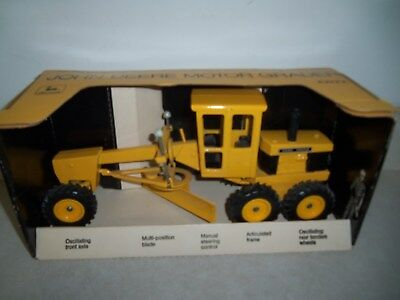 JOHN DEERE ROAD GRADER NEW in BOX ERTL Vintage Farm Toys JD Construction