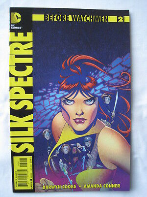 Before Watchmen  : Silk Spectre   # 2.   Dc Comics. 2012.
