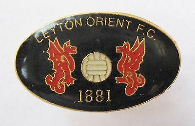 "LEYTON ORIENT - Excellent Football Pin Badge ""1881"""