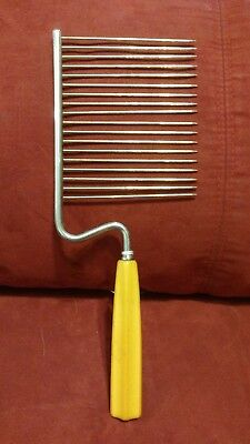 "Vintage Angel Food Cake Cutter Yellow  Bakelite Handle Lucite About 10 1/2""    d"
