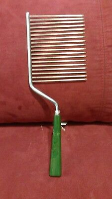 Vintage Angel Fod Cake Cutter Emerald Green Bakelite Lucite Handle About 10 1/2""