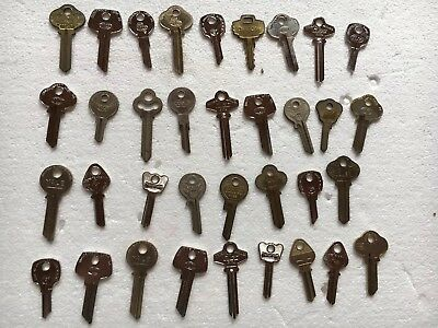 Vintage Old Key Blanks Brass  Ilco Yale Master Arts And Crafts Lot of 35 B 1