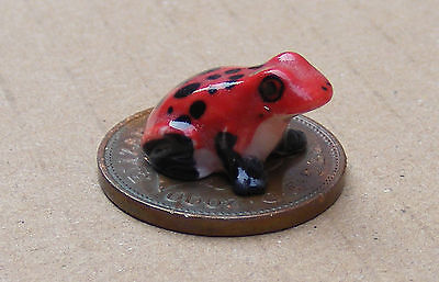 1:12 Scale Red Tumdee Dolls House Ceramic Frog Garden Animal Pet Accessory L
