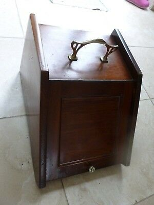 Lovely Victorian Mahogany Coal Scuttle Purdonium