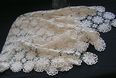 Beautiful Vintage Richly Hand Worked Multi Flower Crochet Lace Table Cltoh