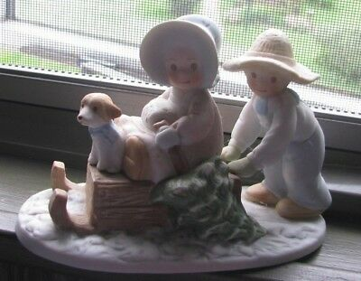 """Homco Masterpiece Circle Of Friends """"the Perfect Tree"""" Figurine Winter Holidays"""