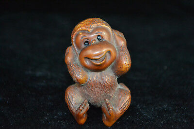 Rare Chinese Old boxwood handwork monkey cover ears Collectible Netsuke Statue