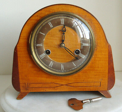 Smiths  Antique/Vintage Wooden  Mantel Clock England working well