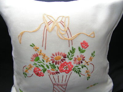 B'ful Vtg Richly Hand Embroidered Flower Basket & Bow Cream Rayon Cushion Cover