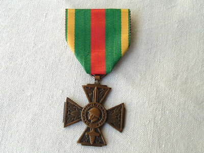 Old Wwi Ww1 1914 1918 French France Cross For Voluntary Combatant Medal Ribbon