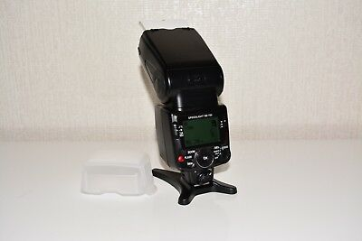 Nikon SB 700 Speedlight Flash with Hot Shoe and Diffuser.