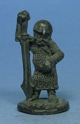 RAL PARTHA - Fantasy - Dwarf with Two Handed Sword - 1970s - Pre Slotta
