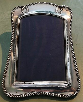 ANTIQUE EDWARDIAN HALLMARKED STERLING SILVER PHOTO FRAME - SYDNEY & Co 1909