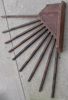 Antique/primitive Large Well Made Wall Mount 9 Spindle Drying Rack