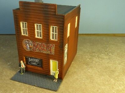 """HO  Vintage """"Town"""" BAKERY    (Weathered & Detailed)"""