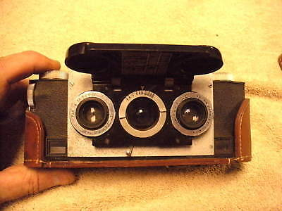 WHITE STEREO REALIST MODEL 1041 ,1950s. 35mm stereo Camera 3 Lenses, With Case
