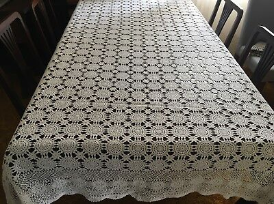 CROCHET Creme. Rectangular Table Cloth 160 x 200cm - Lovely Con