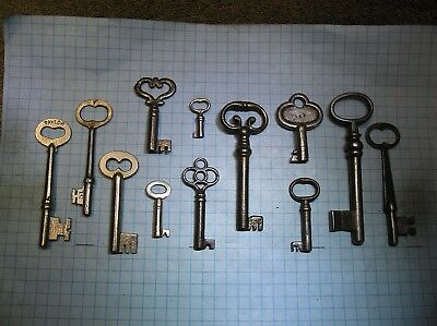 Lot Of 12 Antique Skeleton, Furniture, Barrel, Cabinet And Old Lock Keys