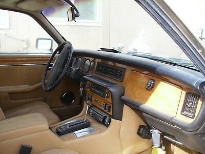 1986 Jaguar XJ6  !986 Jaguar XJ6 with a 86 350 TunePort 350 Motor and 350 Transmission.