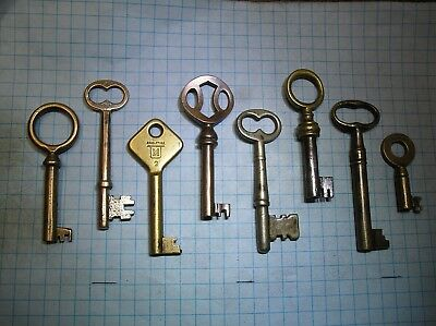 Brass Keys - Lot Of 8  Skeleton And Barrel Keys