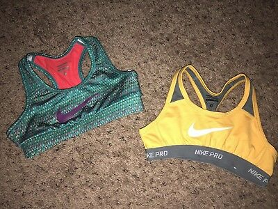 Youth Small Nike Sports Bras In Excellent Condition