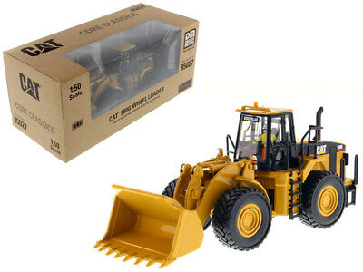CAT Caterpillar 980G Wheel Loader with Operator 1/50 Diecast Model by Diecast Ma