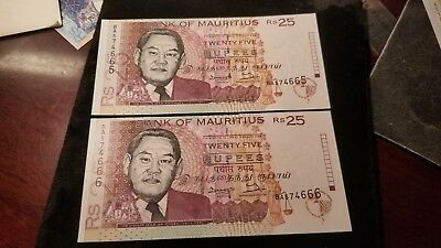 Lot Of 2 Consecutive 1998 Bank Of Mauritius 25 Rupee Banknotes Uncirculated