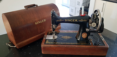 Antique SINGER Model 99 Sewing Machine c1929 with Case and Key