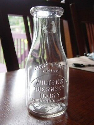 1930's WILTSE GUERNSEY Chesaning MICHIGAN Mich. MI. Pint dairy milk bottle MINT