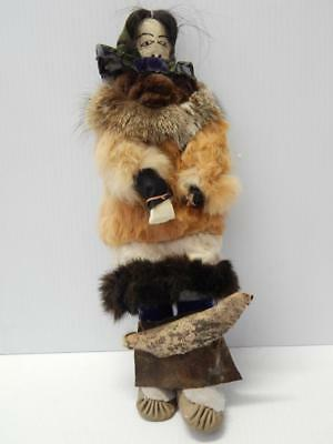 Lrg Vintage Eskimo / Inuit Indian Doll Holds Ulu+ Baby Seal ? Unique And Old