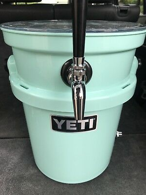 YETI LOADOUT 5 Gal Jockey Box Cooler Complete w/ Regulator Set-Up NEW Kegerator