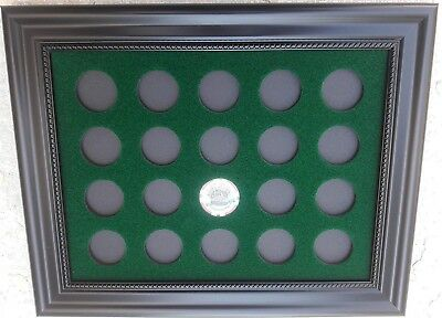 9x12 GREEN DISPLAY PICTURE FRAME FOR 20 CASINO POKER CHIPS (NOT INCLUDED)