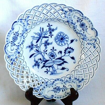 Early C19Th Meissen Blue And White Reticulated Onion Pattern Plate