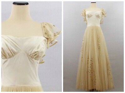 1950s Vintage Wedding Dress / Ball Gown.  Small Size. Cream & Gold With Sequins