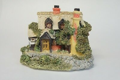 MINIATURE HOUSE FIGURINE The Aristocrat Collection EPL Tudor Cottage Collectible