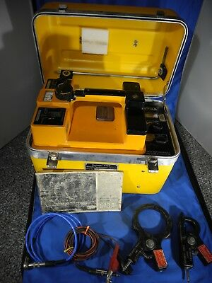 DYNATEL 573A CABLE LOCATOR W CABLES & 2 Couplers 3001, 3005 & Original Manual