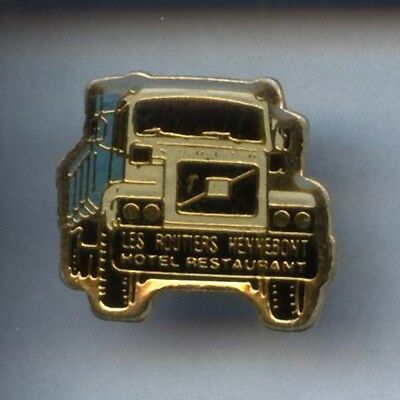 Rare Pins Pin's .. Camion Truck Wagen Volvo 56  ~3A