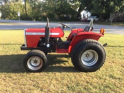 VERY NICE  MASSEY FERGUSON 1020 4X4    DIESEL  TRACTOR With Only 632 HOURS